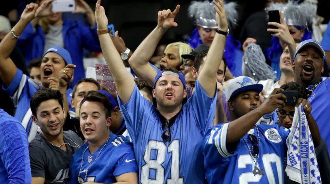 Los fanáticos de los Detroit Lions se ponen furiosos por otra no llamada contra el mismo LB del juego de playoffs de Dallas