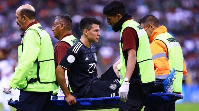 Nápoles y la estrella de México Lozano despegaron heridos contra Panamá