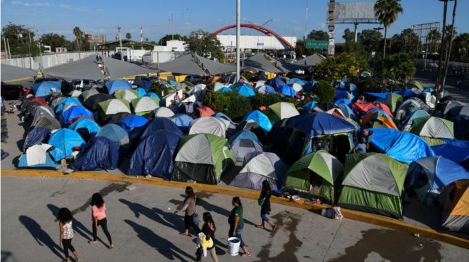 """Funcionarios federales de inmigración anuncian planes para reanudar las audiencias de """"permanecer en México"""" durante la pandemia de coronavirus"""