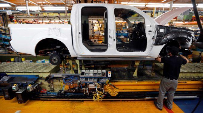 España dice que hay 'esperanza' sobre salvar la planta de Nissan en Barcelona