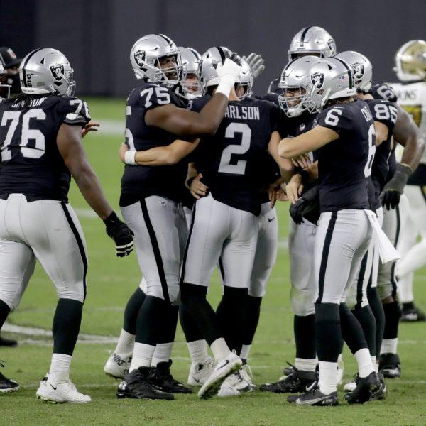La actuación estelar de Derek Carr eleva a los Raiders a una victoria por 34-24 sobre los Saints