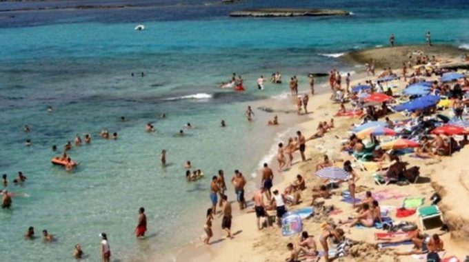 España negociará corredores de viaje a sus islas con Gran Bretaña y Alemania