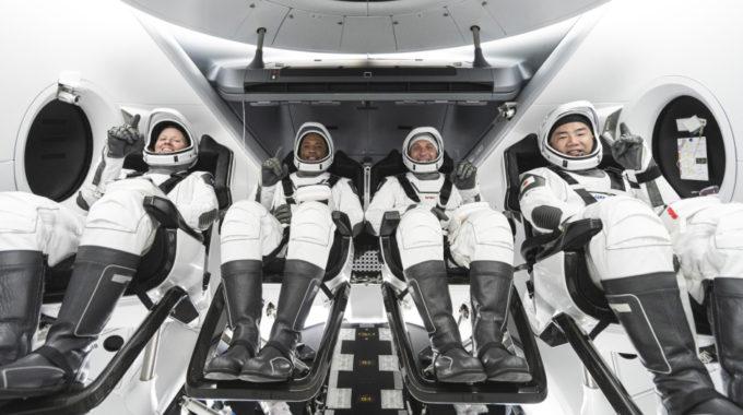 La NASA programa el primer vuelo operativo de Crew Dragon para Halloween