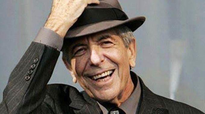 Los herederos de Leonard Cohen 'exploran nuestras opciones legales' después de que Trump juega 'Hallelujah' en RNC