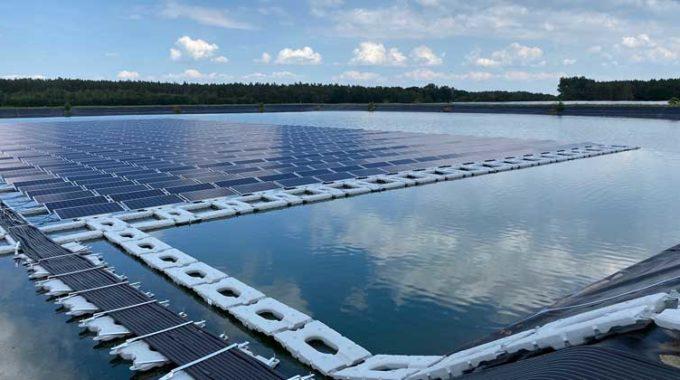 Estructuras de montaje para fotovoltaica flotante de España