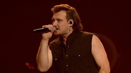 La cantante de country Morgan Wallen se retiró de la presentación de 'SNL' después de ir de fiesta sin máscara