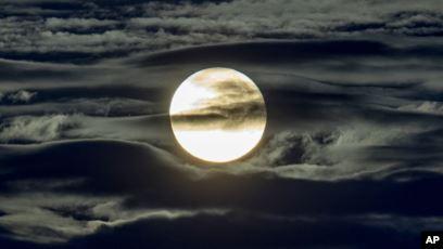 Nuevas mediciones en la Luna muestran niveles de radiación nocivos
