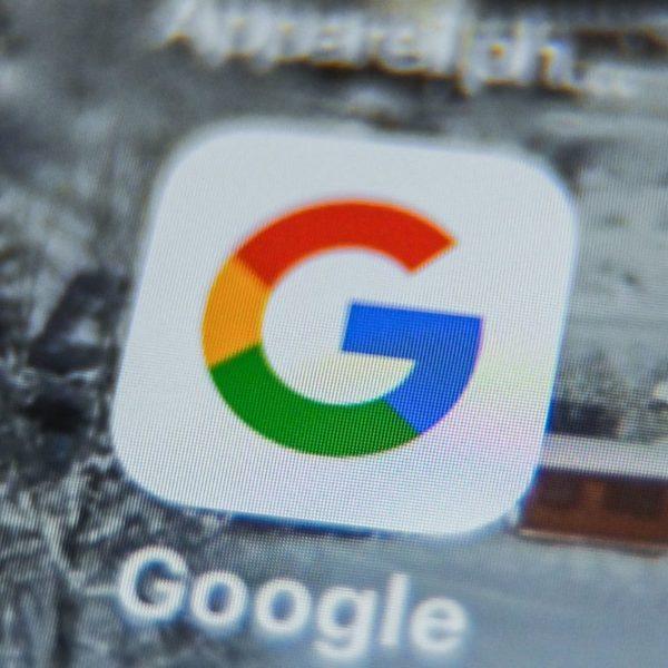 Google ahora permite a los usuarios buscar una canción cantando, tarareando y silbando