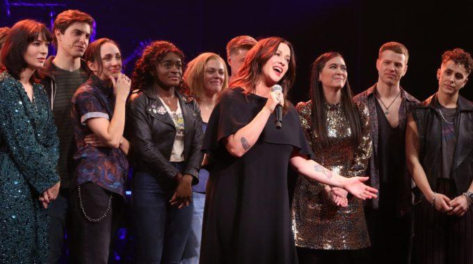Premios Tony: el musical de Alanis Morissette lidera el campo de nominaciones reducido