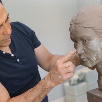 Simon Ourian combina la dermatología cosmética y el arte contemporáneo en una escultura de $3.5 millones de dólares