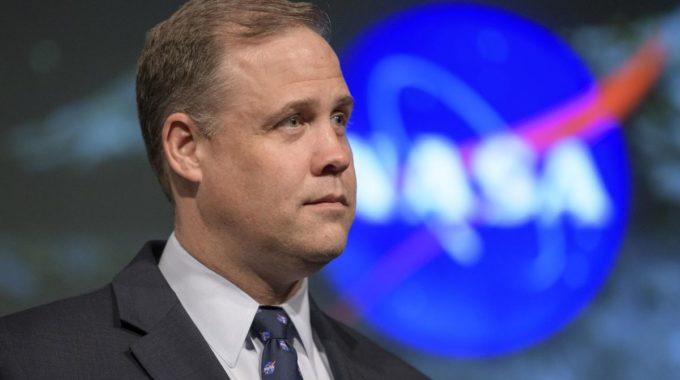 El jefe de la NASA, Jim Bridenstine, no permanecerá bajo el nuevo presidente