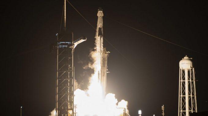 La NASA realiza el histórico lanzamiento de SpaceX Crew Dragon