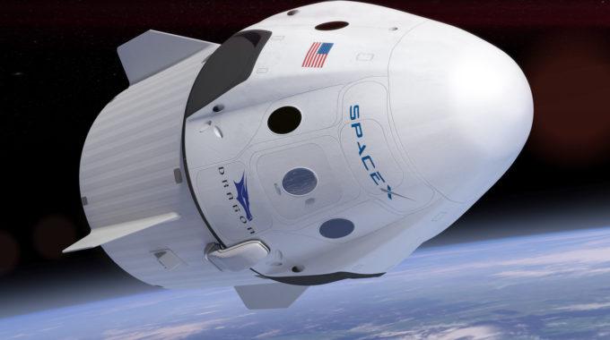Astronauta: SpaceX Dragon vence al transbordador, Soyuz para el lanzamiento