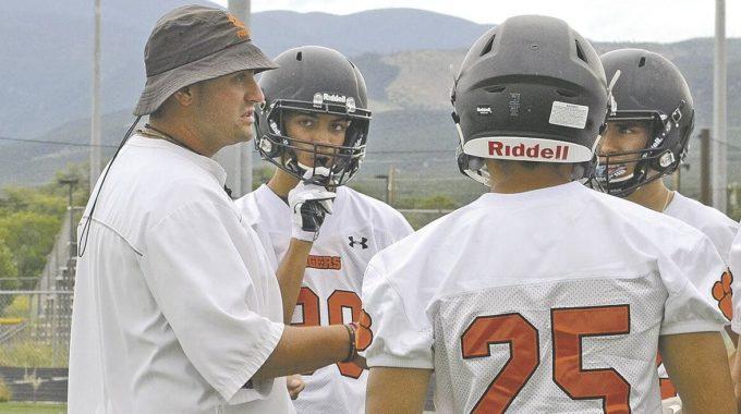 Crece la presión en Nuevo México para llamar al fútbol y los deportes de otoño