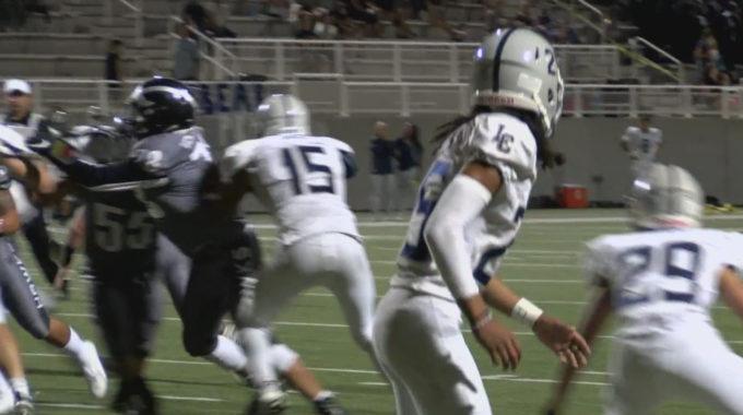 El fútbol americano de secundaria de Nuevo México espera que su temporada aún esté en marcha