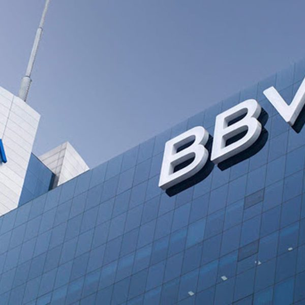 BBVA podría eliminar 3.000 puestos de trabajo en España, dice Expansión