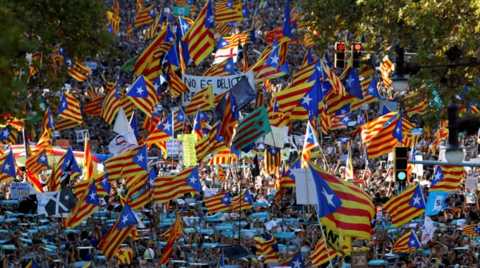 El partido de oposición de España promete un cambio después de las elecciones catalanas