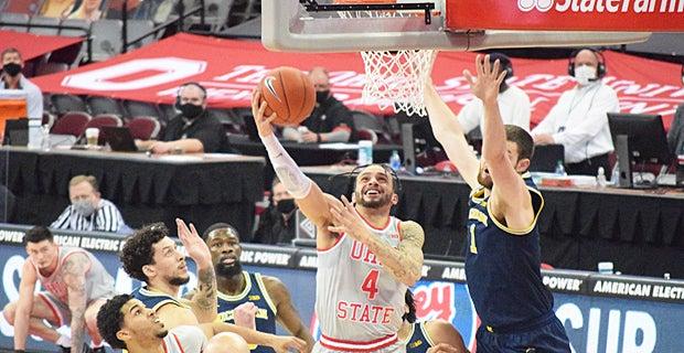 El No. 3 Michigan Wolverines gana quinto consecutivo, acaba con la racha de siete victorias consecutivas del No. 4 Ohio State Buckeyes