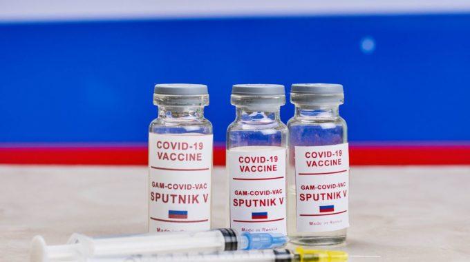 México aprueba vacuna rusa Sputnik V y firma acuerdo de suministro