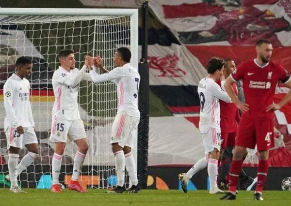 La defensa improvisada llega al Madrid en partidos decisivos
