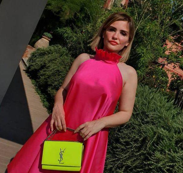 Quien es Carolina Ogliaro, la famosa influencer digital a seguir absolutamente